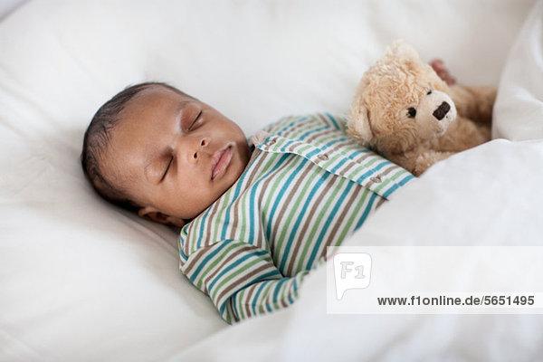 Bett schlafen Teddy Teddybär Baby