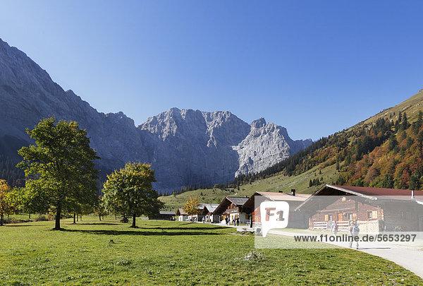 Österreich  Tirol  Blick auf das Karwendelgebirge