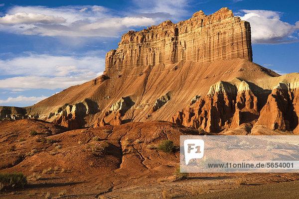 Wild Horse Butte im Morgenlicht  Goblin Valley State Park  Teil der San Rafael Wüste  Süd-Utah  USA