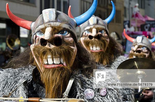 Guggenmusik  Karnevals-Blaskapelle  Umzug zur Basler Fasnet  Basler Fasnacht  Basel  Schweiz  Europa Guggenmusik, Karnevals-Blaskapelle, Umzug zur Basler Fasnet, Basler Fasnacht, Basel, Schweiz, Europa