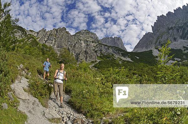 Europa  Berg  absteigen  Lodge  Landhaus  wandern  Österreich  Tirol