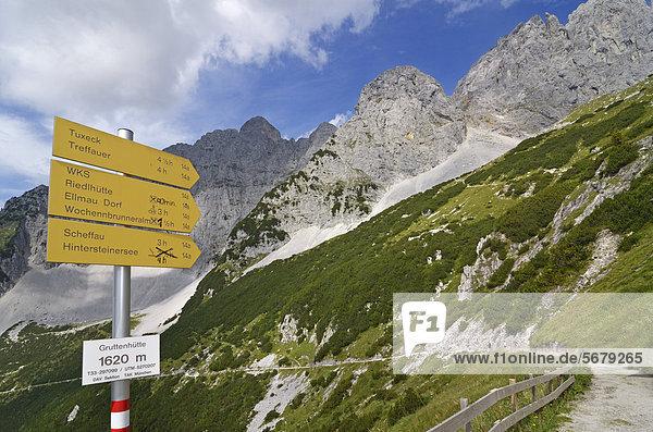 Europa  Berg  Verbindung  Weg  Ende  Lodge  Landhaus  wandern  Wegweiser  Österreich  anhalten  Tirol