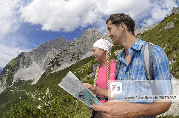 Europa  Berg  Verbindung  Weg  Ende  Lodge  Landhaus  wandern  Österreich  anhalten  Tirol