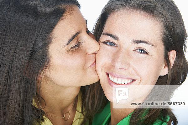 Schwuler mann flirtet mit frau