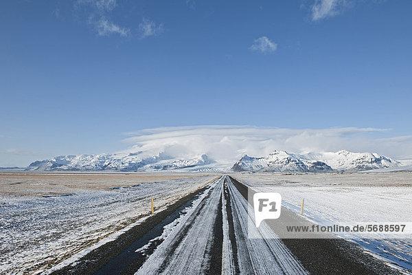 Ländliches Motiv  ländliche Motive  Landschaft  Schnee  Fernverkehrsstraße