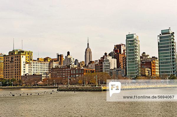 Vereinigte Staaten von Amerika USA New York City Fluss Hudson River Empire State Building Manhattan