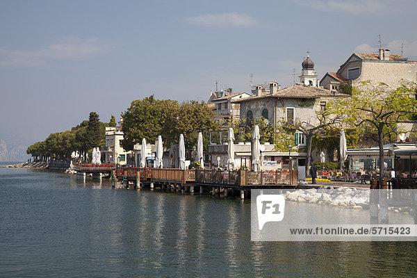 Ortsansicht  Torri del Benaco  Veneto  Venetien  Gardasee  Italien  Europa  ÖffentlicherGrund
