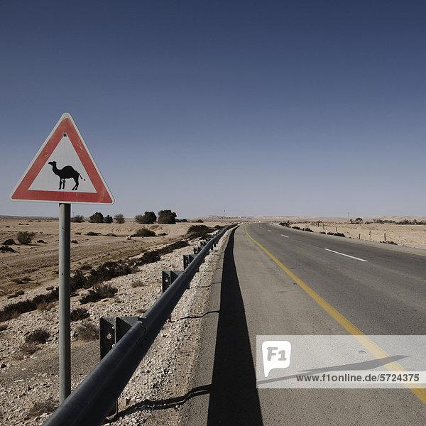 Israel  Blick auf Kamelschild