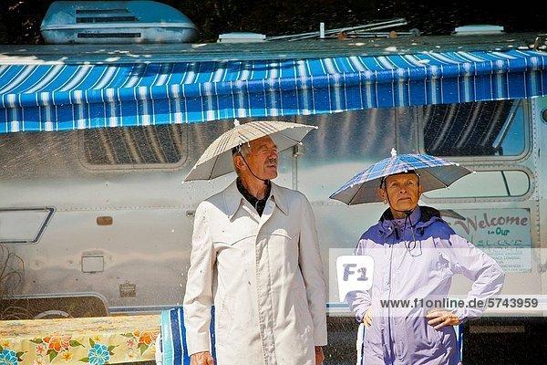 nahe  Senior  Senioren  Hut  Regen  camping nahe ,Senior, Senioren ,Hut ,Regen ,camping