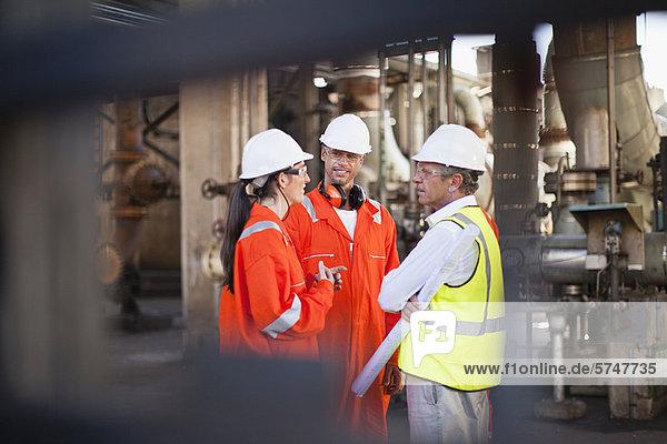 sprechen  arbeiten  Öl  Raffinerie