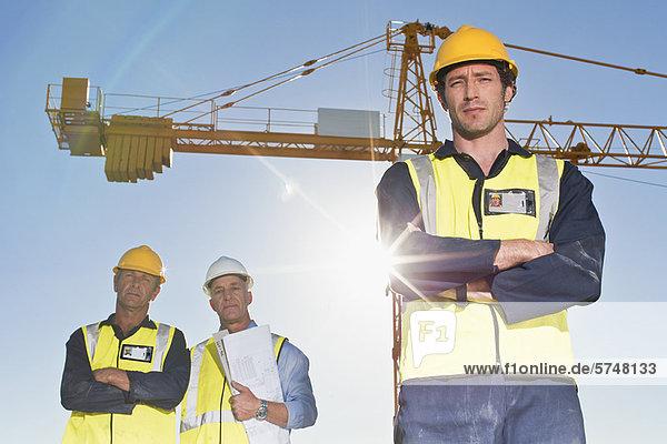 stehend  bauen  arbeiten