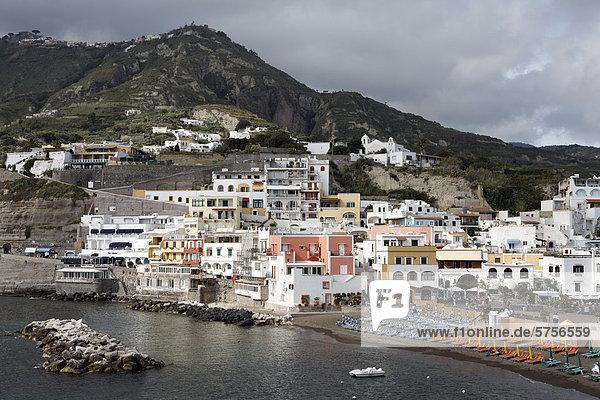 Fischerdorf Sant'Angelo  Serrara Fontana  Insel Ischia  Golf von Neapel  Kampanien  Süditalien  Italien  Europa