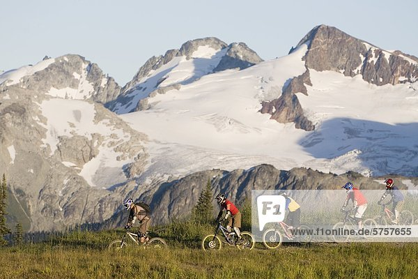 Mountainbiken in der Küste-Mountainsnearwhistler.British Columbia  Kanada.