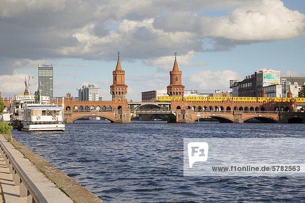 Oberbaumbrücke  Berlin  Deutschland  Europa