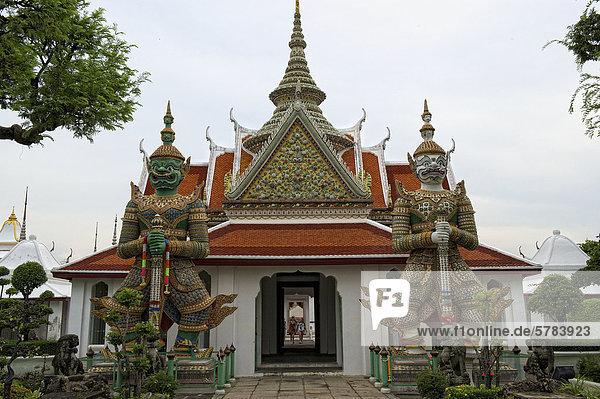 Wat Arun  Tempel der Morgenröte  Bangkok  Thailand  Asien
