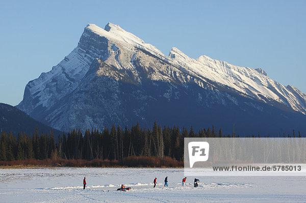 Winter in Banff Nationalpark  Alberta  Kanada und spielte