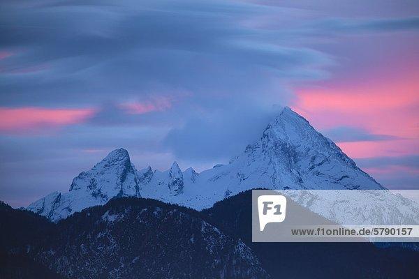 Abendrot über dem Watzmann  Berchtesgadener Alpen  Bayern  Deutschland