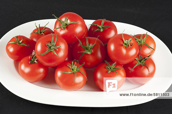 Tomaten auf einem Teller