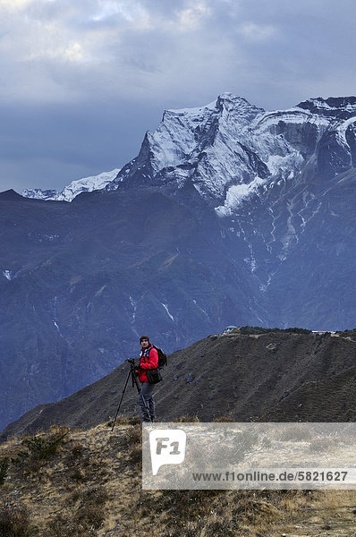 Fotograf in Nepal betrachten Kongde Ri Berg