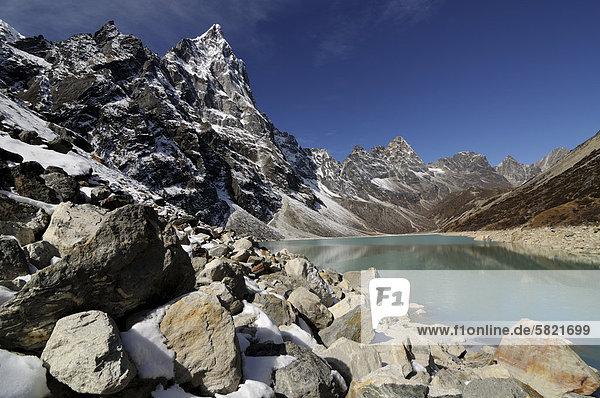 Chola Tsho See in Nepal