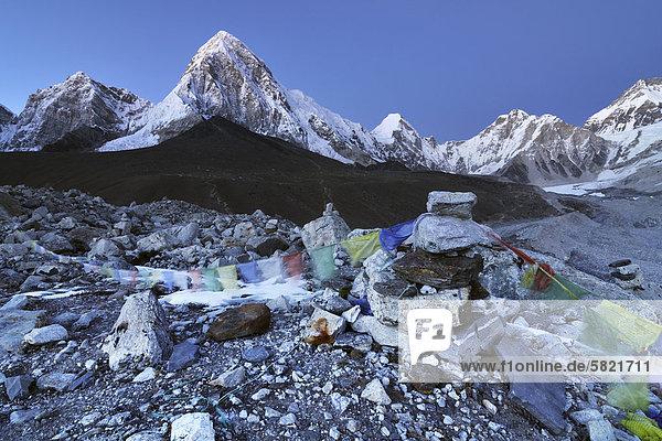 Nepal Berglandschaft bei Sonnenuntergang
