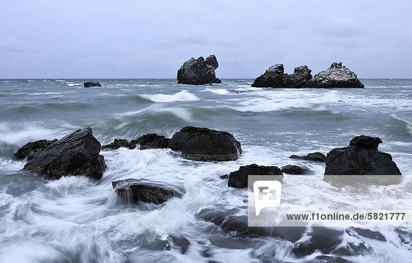 Fotograf Aufnahme Bild der Schwarzmeer-Küste in der Nähe von Utes Dorf auf Krim in der Ukraine