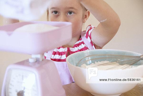 Küche  Gewicht  Zutat  Mädchen