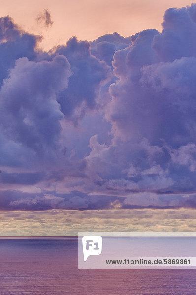 Sonnenuntergang im Winter  Monterey Bay  Kalifornien