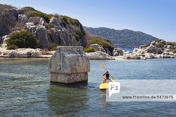 Großstadt paddeln Kajakfahrer antik Mittelmeer Sarkophag Türkei lykischen Küste