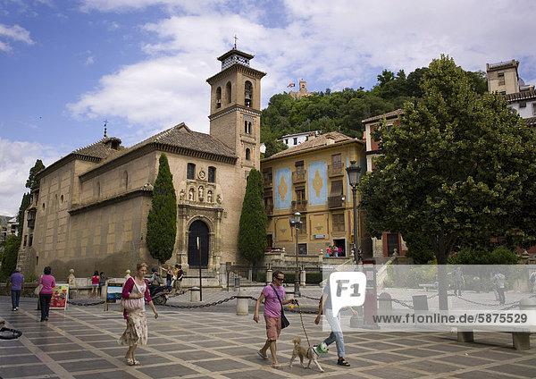 Iglesia de Santa Ana am Fuße der Alhambra  Granada  Andalusien  Spanien  Europa  ÖffentlicherGrund