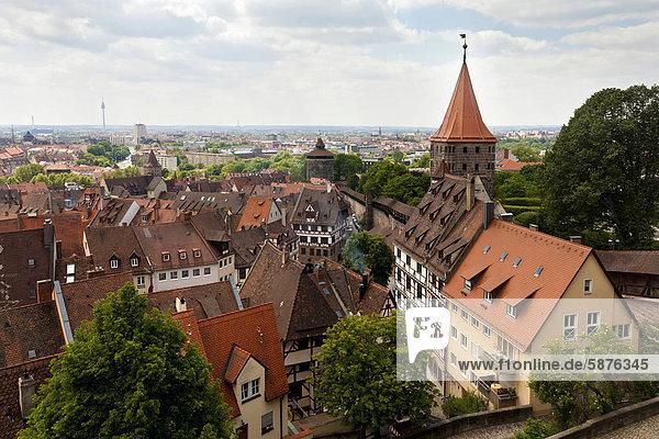 Blick über die Altstadt von Nürnberg  Mittelfranken  Franken  Freistaat Bayern  Deutschland  Europa