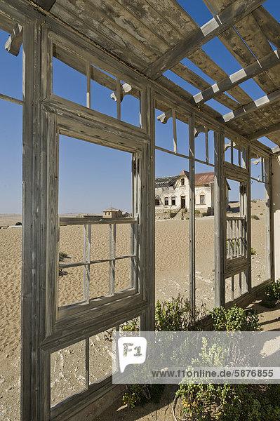 Wohnhaus Vordach Ansicht Vernichtung Namibia Afrika Kolmanskop