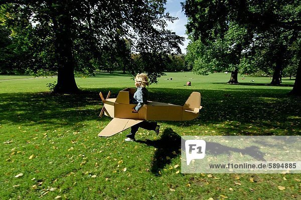 Flugzeug Profil Profile Modell rennen Seitenansicht Mädchen