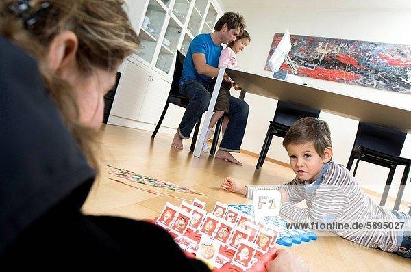 Computer , Sohn , arbeiten , Spiel , Hintergrund , Tochter , Mutter - Mensch , Ehemann , spielen