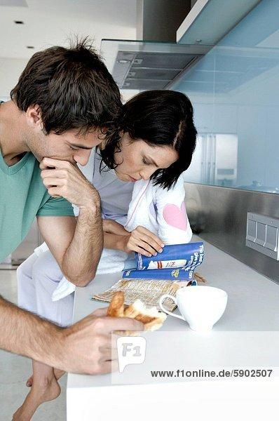 Küche  Zeitschrift  jung  vorlesen