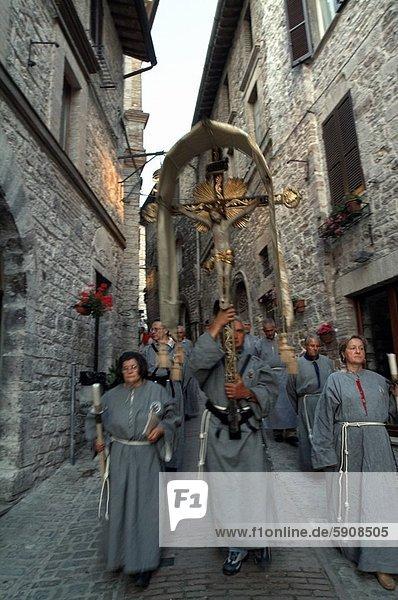 Geistlicher  Assisi  Italien  Prozession  Umbrien