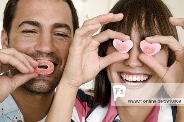 lachen  halten  Close-up  close-ups  close up  close ups  jung  Süßigkeit