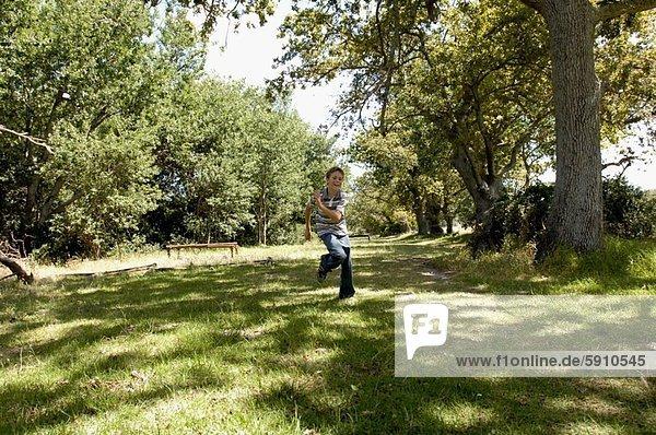Junge - Person  rennen