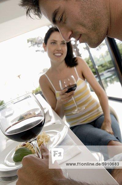 Wein  halten  Mittelpunkt  Erwachsener