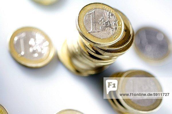 Euromünze  hoch  oben  Stapel  Ansicht  Flachwinkelansicht  1  Winkel  Euro