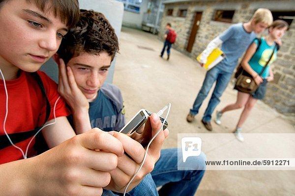 Jugendlicher  zuhören  Junge - Person  Musik  2