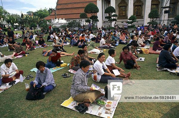 Mensch  Entspannung  Menschen  Menschengruppe  Menschengruppen  Gruppe  Gruppen  Garten  Thailand