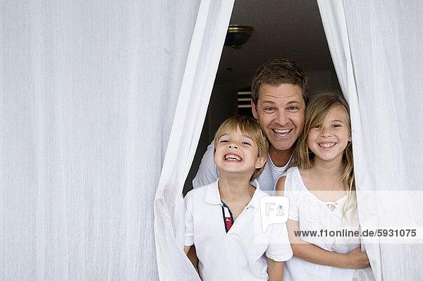 Portrait  Mann  lächeln  Mittelpunkt  2  Erwachsener