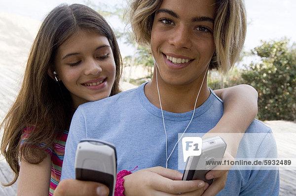 benutzen  Jugendlicher  Junge - Person  Close-up  close-ups  close up  close ups  Mädchen