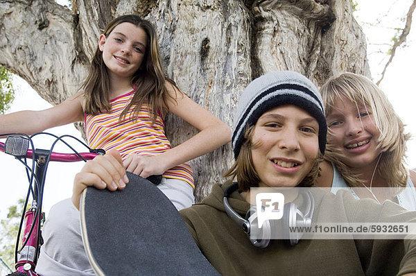 Portrait  Jugendlicher  Junge - Person  2  Mädchen