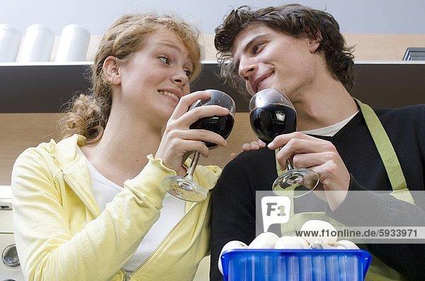 sehen  Wein  halten  Close-up  close-ups  close up  close ups  jung