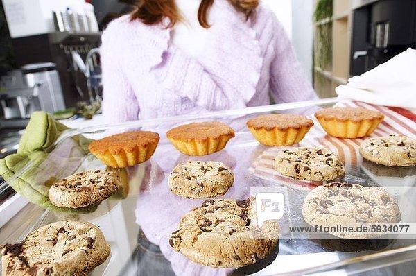 Anschnitt  Frau  halten  Mittelpunkt  Ansicht  Keks  cupcake