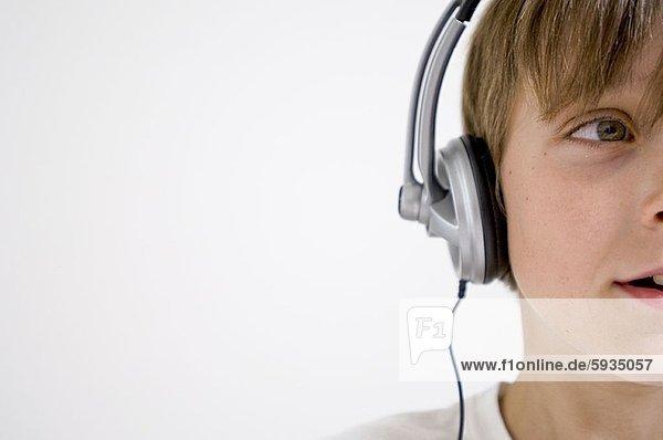 zuhören  Junge - Person  Close-up  close-ups  close up  close ups  Musik