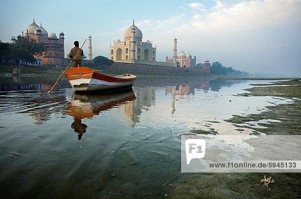 Fluss  Ganges  Agra  Indien  Taj Mahal