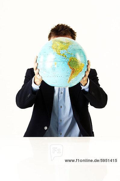 Geschäftsmann  halten  frontal  Globus